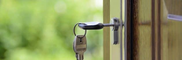 clef dans serrure sécurisée